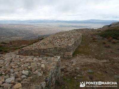 La sierra de Paramera - Castillo de Manqueospese / Aunqueospese - Castro Celta de Ulaca; menorca sen